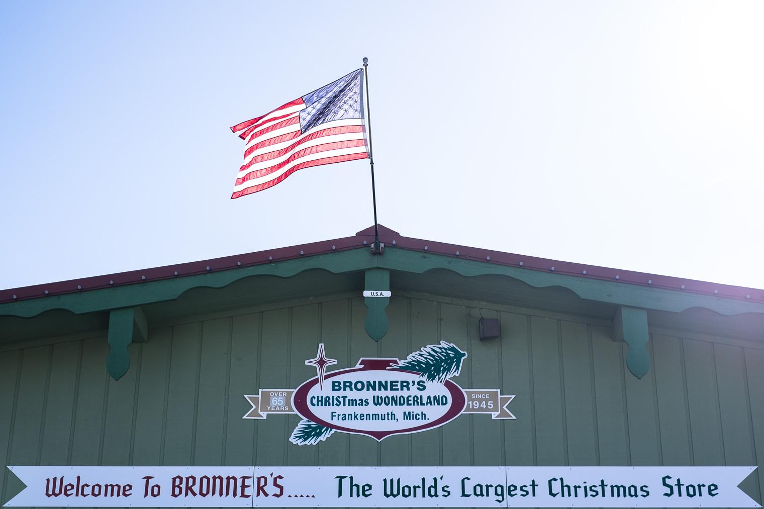 worlds largest christmas store dscf4978 - Worlds Largest Christmas Store